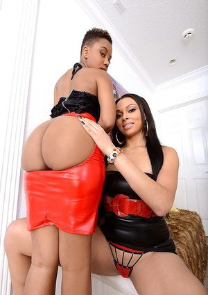 Lesbian babes Bethany Benz and Bria Marie playing with their pussies