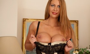 Leigh Darby prefers spreading vagina and reaches unbelievable pleasure