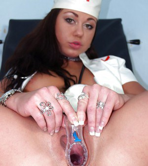 Stunning nurse Gioia Beil needs to play with her vagina at work