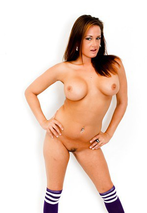Rough milf Tory Lane needs to play with her delicious boobies