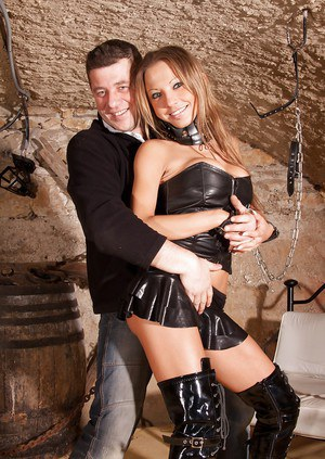 Alexia is a bdsm and fetish lover that is why she loves this gangbang