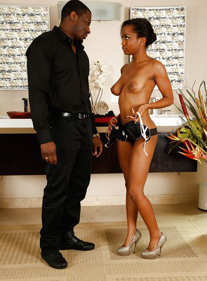 Ebony babe Ivy gets ready to have a wet bath with that big black dick