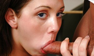 Nikki Carlisle loves giving blowjobs and eating delicious warm cum