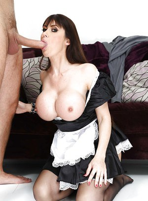 Cute brunette milf Eva wants to suck that cock, fuck it and eat cum