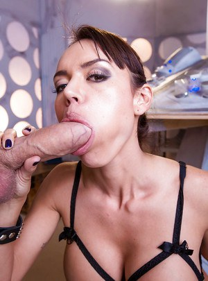Huge cock loving babe Franceska giving a sloppy blowjob