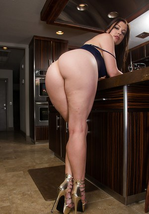 Pussy showing babe with a huge ass Sovereign stripping in kitchen