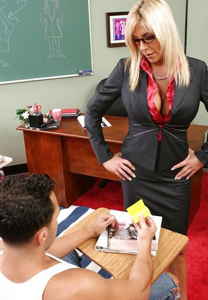 Mature teacher mom Misty is kissing and dick sucking in the office
