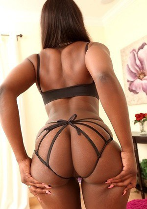 Stunning big ass slut Amber is an ebony with a huge fucking ass