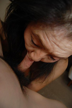 Asian brunette mature Setsuko giving a splendid and deep blowjob