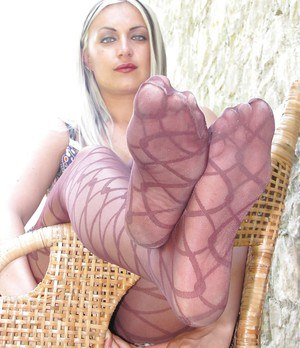 Marlene loves to wear some sexy pantyhose on these hot feet