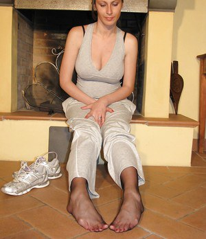 Clothed big tit babe Elena showing her adorable little feet