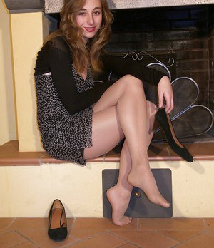Smashing hot skinny lady Costanza is a foot fetish model