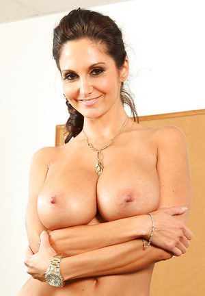 Stunning sexy milf with huge boobs Ava spreading her tight pussy