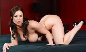 Brunette babe with stunning tits Kendra adores to masturbate that pussy