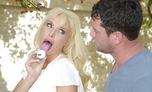 Blonde whore with huge titties Summer loves to eat a cumshot