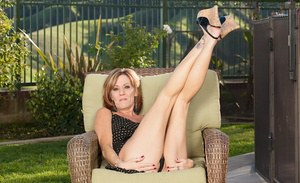 Outdoor posing is what Felicity Rose does when she feels naughty