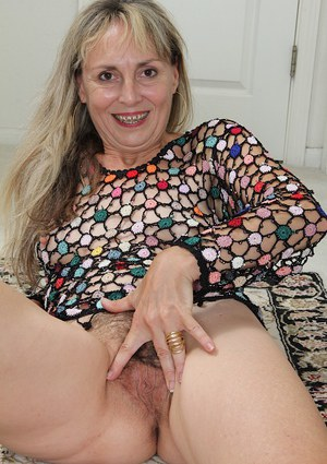 Hairy mature lady Sophie is showing her perfect natural tiny tits