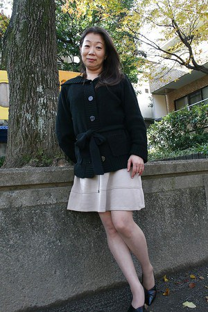 Outdoor posing scene featuring horny Asian mature Yoshiko Makihara