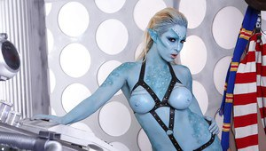 Big tits pornstar Victoria Summers is doing some fantastic cosplay