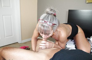 Stunning mature loves swallowing dicks and enjoys delicious cum