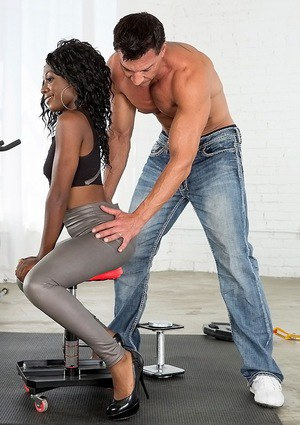 Sporty ebony chick Vicky Vice is working out with her personal coach