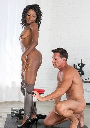 Cumshot action featuring oiled ebony babe Vicky Vice working out