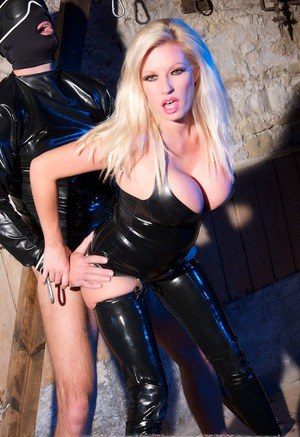 Smoking chick Michelle Thorne is sucking big cock of a hanging guy