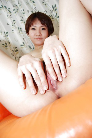 Hikaru Nakatani prefers stripping on camera and spreading pussy