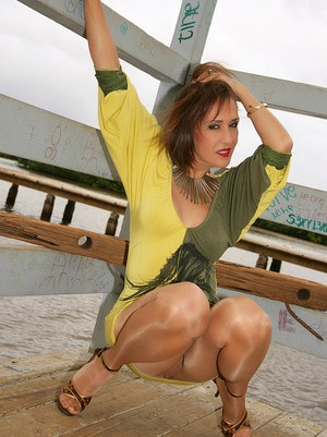 Mature Roni is one of the finest and sexiest whores out there