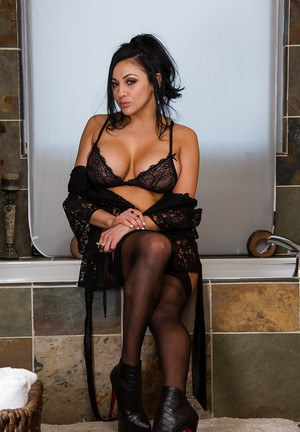 Audrey Bitoni knows what a man wants and she has all of that