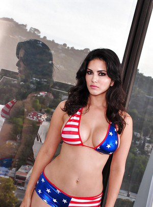Bikini model Sunny Leone is revealing her fit body in close up