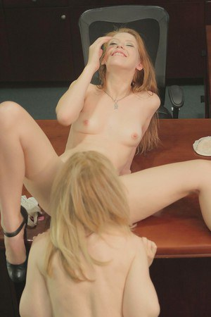 Clothed mature lady Pepper Kester is pleasing a hot girl Nina Hartley