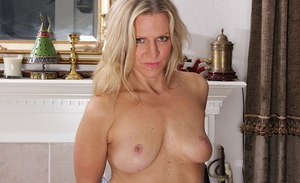 Tabitha Green likes to play with her pussy and masturbate a lot