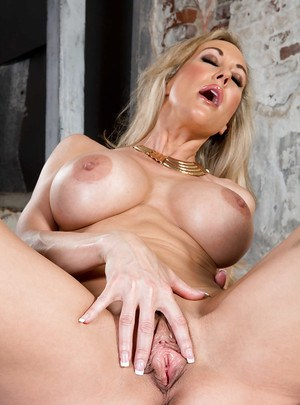 Brandi Porn - ... Brandi Love is demonstrating her astounding big tits and tight ass ...