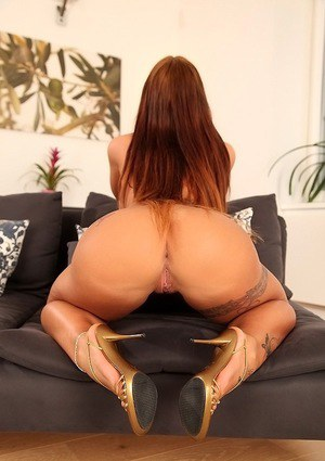 Kyra Hot is demonstrating her European ass in sexy high heels