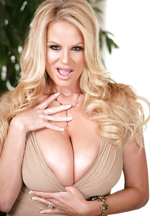 Fabulous blondie Kelly Madison is demonstrating her natural big tits