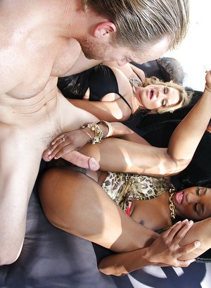 Threesome sex features Ebony chick Jade Nacole and her blonde gf