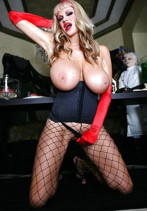 Milf nurse Kelly Madison has a special treatment for her patient