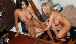 Big tits ebony chick Lavish Styles enjoys an hardcore groupsex