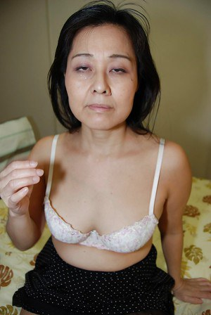 Close up masturbating scene features fatty Asian milf Mako Anzai