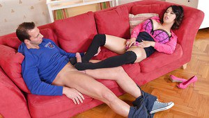 Asian milf Tigerr Benson dose an fantastic footjob with her long legs