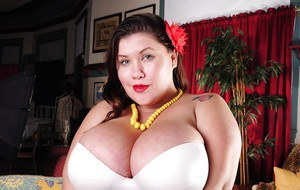 Milf fatty with big natural tits Zoey undresses her white underwear