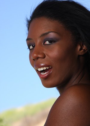 Beautiful ebony girl Monica looks so awesome in her new bikini