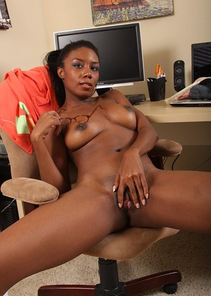 Amateur ebony undressing
