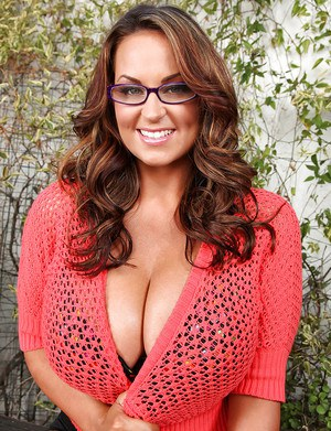 Beautiful large tit MILF with sexy outfit and wearing her glasses