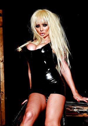 Blonde milf Jaiden West enjoys an BDSM action in her latex outfit