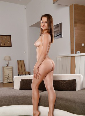Cute big ass babe Adelia unbdressing and showing her nice body