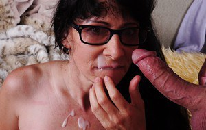 Hardcore fuck of a chubby granny in sexy glasses Tammy and her man