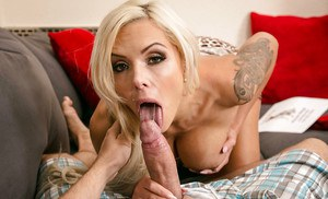 Big tits cougar with blonde hair Nina Elle dose an first class blowjob