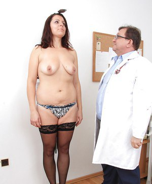 Mature slut with big tits Carmelita takes part in a gyno scene
